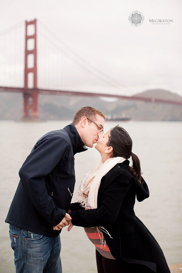 golden gate bridge maternity photos